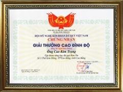 Nghệ nhân ưu tú Quốc gia Cao Kim Trọng vinh dự nhận giải thưởng Cao Đình Độ